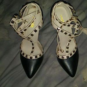 Charlotte Russe Beige & Black Slingback Heels. 7